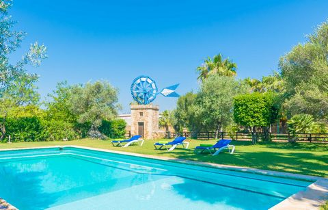 Set in Son Ferriol, in the South of Mallorca, this charming estate with shared pool and well-kept garden offers accommodation to 2 people. To start the day on the right foot, what about a swim in the 10 x 5 meters sized chlorine pool with a depth ran...