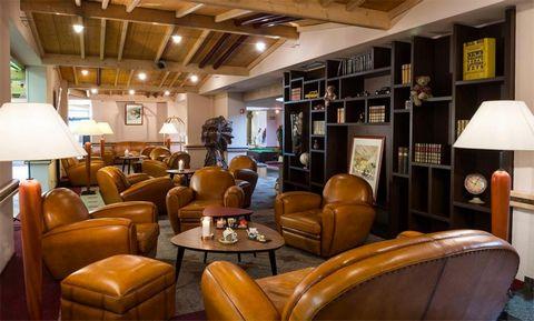 La résidence de grand confort Les Vallées**** à La Bresse est située à proximité des commerces et du centre de la station. Les pistes de ski et remontées mécaniques se situent à environ 9 km. La résidence dispose d'un ascenseur et les appartements so...