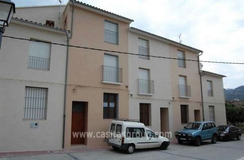 A substantial town house in a quiet town in the Vall D'Gallinera, ten minutes from the banks, shops and restaurants of Pego. An impressive entrance hall, with handy guest w.c leads into a large open plan modern kitchen. The spacious lounge/diner has ...