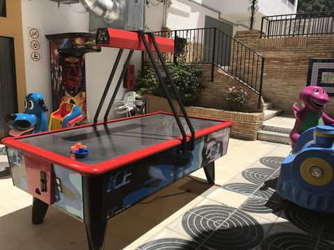Bargain commercial unit with 30k worth of gaming machines for sale in Villamartin This fantastic commercial unit is located in the busy Villamartin plaza, the unit is already to go and it has 30k worth of gaming machines included in the price. The ma...