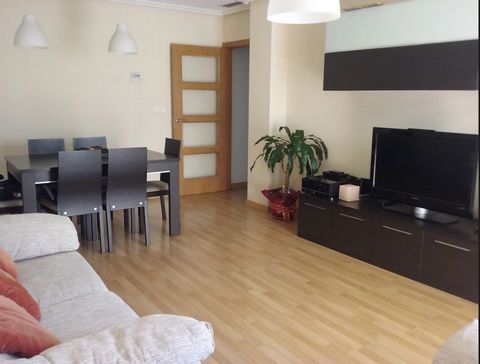 This beautiful apartment is located in Monforte del Cid. It has 90 m2 built, 3 bedrooms and 2 bathrooms. It also has dining room, kitchen with gallery, and storage room It also has a balcony to enjoy the fresh air and visits. As you can see in the pi...