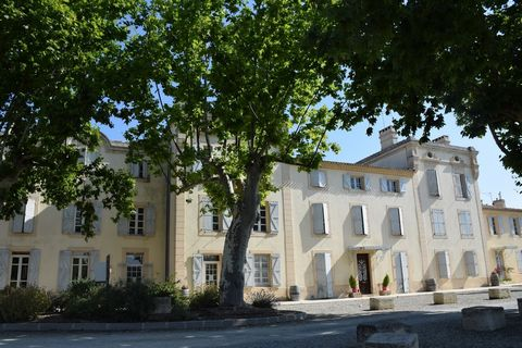 Located in the Languedoc-Roussillon region, between Narbonne and Carcassonne, 30 kms away from the sandy beaches of the Mediterranean and along the Canal du Midi, the residence Le Château de Jouarres is situated in a wooded park of 5 hectares and awa...