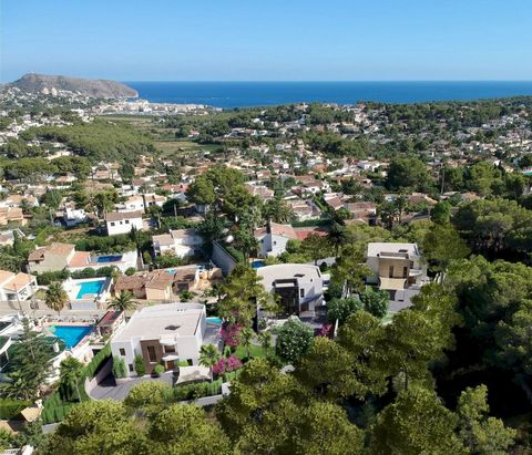 Modern 4 bedroom villa in Moraira, with private pool and beautiful sea views, just 2.5 km from the beach. New luxury Villa offering sea views and pleasant open views towards Moraira, very well located in a quiet neighbourhood just 2.5 km from the bea...