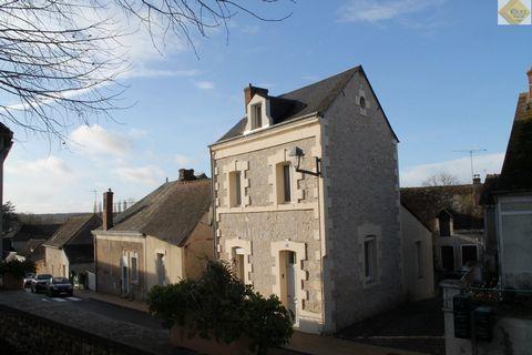 Un ensemble de 2 maisons à TOURNON SAINT PIERRE comprenant : Une maison de 81m² composée : -en rez de chaussée : Un séjour/cuisine, une salle d'ea