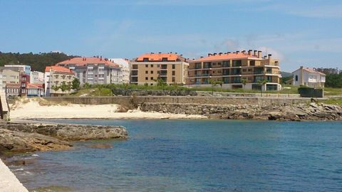Apartment for sale in Corme, Ponteceso with 3 bedrooms, 2 bathrooms and 1 on suite bathroom, with private garage (2 parking spaces). Regarding property dimensions, it has 101 m² built, 87 m² interior and 6 m² terrace. Has the following facilities sea...