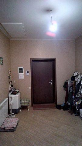 В связи с переездом срочно продается новый дом в пригороде Таганрога, в центре села Новобессергеневка! - Дом состоит из 2-х просторных спален, огромного зала 32 м2, кухня 18 м2, коридор 16 м2. - в доме сделан дорогой ремонт из качественных материалов...