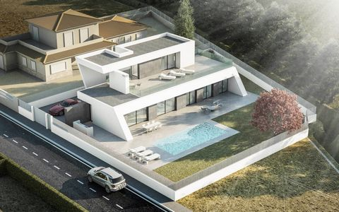 Villa under construction in Calpe, just 500 meters from the sea and only 1,500 meters from the Center. A unique House with the advantage of being in construction, can still make changes in it and adapt it to your needs. Ideal for live there throughou...