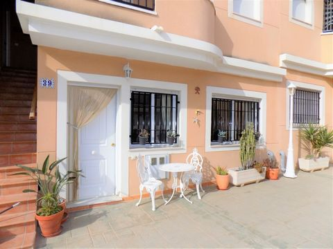 This is a delightful, ground-floor apartment on the well-maintained community of Balcones del Marques in the coastal village of Palomares. The community has a lovely communal swimming pool and also benefits from allocated underground parking. The apa...