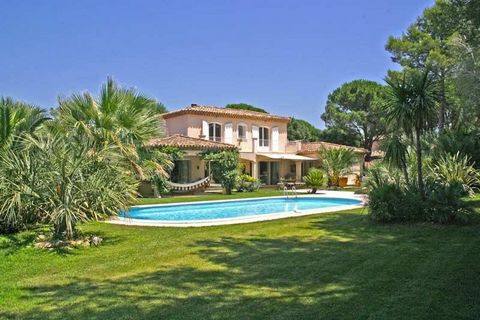 VILLA LA CHRYSALIDE, GRIMAUD: Private domain close from the beach, 250m2, 4 bedrooms, 8 guests In a secured private little domain close from the beaches, this recent villa in the style of Provencal bastides on 2000m2 enclosed landscaped grounds with ...