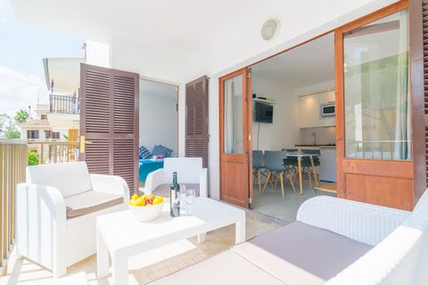 Welcome to this wonderful apartment for 2 people located just 140 metres away from the amazing beach of Puerto de Alcudia. The recently renewed apartment in a modern style and exceptional taste counts with a small, furnished terrace, where you can fe...