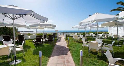 Location The Hotel is located in the exclusive area from Puerto Banús, just a few meters from the beach and 7 km from the center of Marbella. The hotel extends over a land of more than 28,000 square meters of lush and spectacular subtropical gardens,...