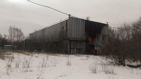 Продается бывший молокозавод, площадь помещений 20 000кв.м., земельный участок 7 Га (в аренде 49 лет).Имеется газ, вода,электричество 200квт. Железнодорожная ветка находится за забором