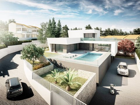 Stunning chalet for sale in Calpe, brand new, with all kinds of comforts and the best qualities of the market, so should only settle on it without worrying about anything more than enjoy. An amazing house featuring a plot fenced and private of approx...