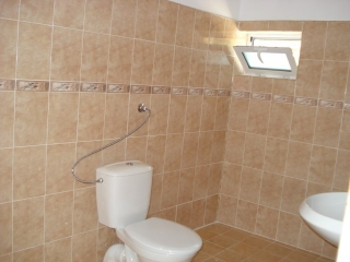 House for sale 100 km from Burgas in Granitovo, Elhovo - house is fully renovated with a parking lot, no furniture included, large 890 sq.m. yard - sold at an excellent price. House has 4 bedrooms, large kitchen, 4 bathrooms, lovely reconstruction do...