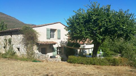Mons is a commune in the Var department in the Provence-Alpes-Côte d'Azur region in southeastern France. Here we offer a country house set on a plot of 1.7 ha, renovated in 2002-2003 and located in olive groves. The living space of approx. 250 m2 com...