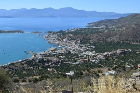 Pano Elounda A plot of 5000m2 with amazing sea views between Pano Elouda and Pines. The plot has the ability to build up to 200m2. There is street parking and the water and electricity are nearby. Lastly, it is enjoys stunning views to sea and mounta...