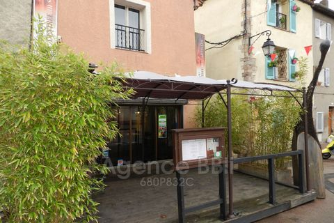 54-seat restaurant located in pedestrian zone Shady terrace, overlooking a square in the historic centre of Frejus Kitchen partfait state piano 6 new gas fires Pulsed air oven Faithful customer Lively city centre For more information please contact: ...