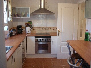 Available to rent from the end of Sep 19. This is a 4 bedrooms + study, semi-detached property, fully-furnished villa, A/C in the main bedroom, marble flooring, 28'' LCD TV with TDT enclosed back garden with lockable gate, double parking, fireplace, ...