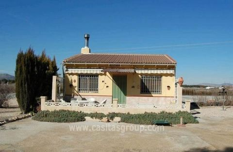 A well presented, completely renovated Country Property located in the picturesque valley of Las Virtudes, 6 km from the historic town of Villena. This property is chock full of extras and is extremely well cared for inside and out. The lounge benefi...