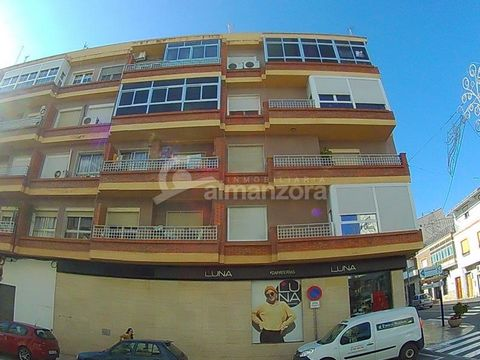 A fourth floor apartment located in Albox town centre, the apartment has a large well lit lounge, there are four bedrooms,one with fitted wardrobes, two bathrooms, kitchen and laundry area. The property has air conditioning throughout and also has a ...