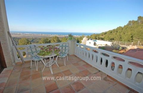 What an incredible find a lovely Country House, with the most amazing sea views for miles along the coast. Drive through the Arched entrance with stacks of parking and into this one level property which is a really comfortable home with Oil Central H...