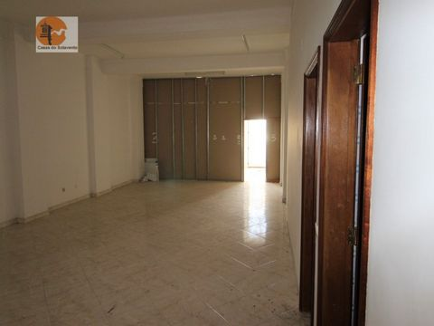 Store destined to trade / industry with total area of 267.5 m2, composed of a store and basement with 133.75m2, respective sanitary facilities in two autonomous compartments and storage in the basement. Energy Rating: G #ref:CS-COM-AL-83883