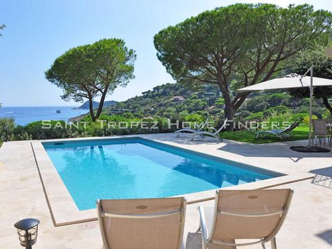 • The villa is located in Ramatuelle and just few steps away to the beach. It has a stunning sea view from any room in the house. The modern and bright interior with several floor-to-ceiling windows make the villa a perfect holiday residence. The eas...