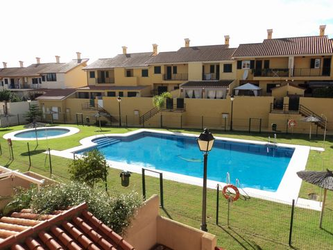 Av as from 5th October 2018. Four bedroom, one bathroom townhouse located in Venta Melchor, Santa Margarita within close proximity to Gibraltar. There are three bedrooms, one bathroom and two terraces on the first floor. The ground floor consists of ...