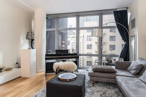Apartment 4H is an elegant 1 bedroom, 1.5 baths with floor-to-ceiling windows. The open concept kitchen features custom white Oak Cabinetry, appliances including a Sub-Zero refrigerator and Bosch dishwasher, Blue Stone countertops and Italian Glass b...