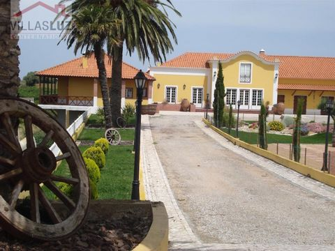 Region: Estremadura / Silver Coast Location: Lourinhã / Bombarral / Peniche surroundings Total plot area: approx. 4.000m2; Total construction area: approx. 550m2 Walking distance to the center of a nice village with all facilities like cafes, restaur...